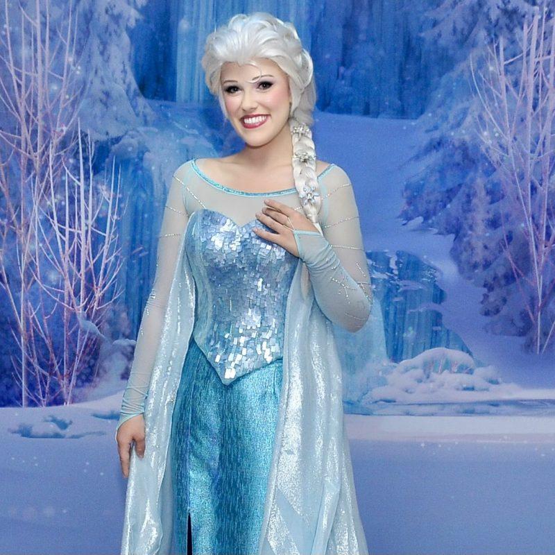 Elsa Halloween Event close up